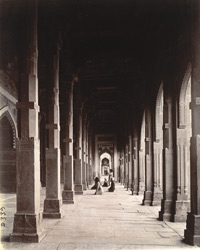 View looking south to north along the piazza in front of the aisles of the Jami Masjid, Fatehpur Sikri